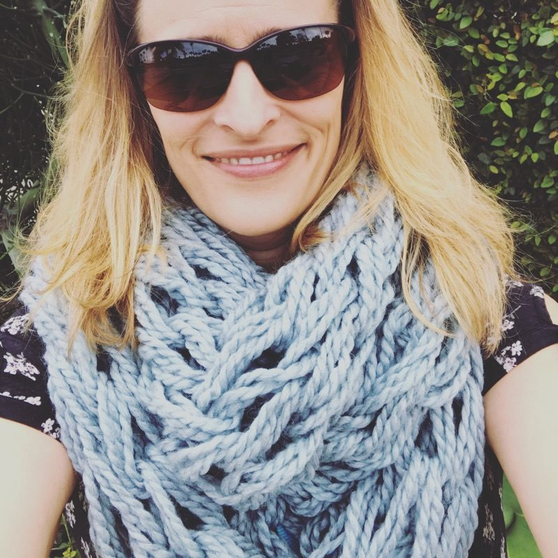 Arm knit cowl! Pattern by Flax and Twine.